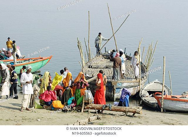 River Ganges (Ganga), Varanasi (Benares, Benaras, Banaras), Hindu holy city, state Uttar Pradesh, India