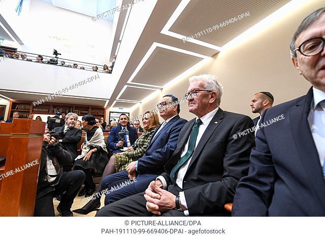 10 November 2019, Baden-Wuerttemberg, Konstanz: Winfried Kretschmann (Bündnis 90/Die Grünen, M), Minister President of Baden-Württemberg
