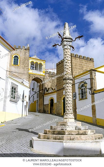 Marble Pillory and Arab Archway of Largo Santa Clara, Garrison Border Town of Elvas and its Fortifications, Portalegre District, Alentejo Region, Portugal