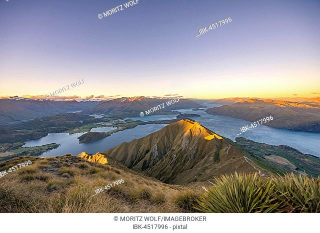 View of mountains and lake, Roys Peak at sunset, Lake Wanaka, Southern Alps, Otago Region, Southland, New Zealand