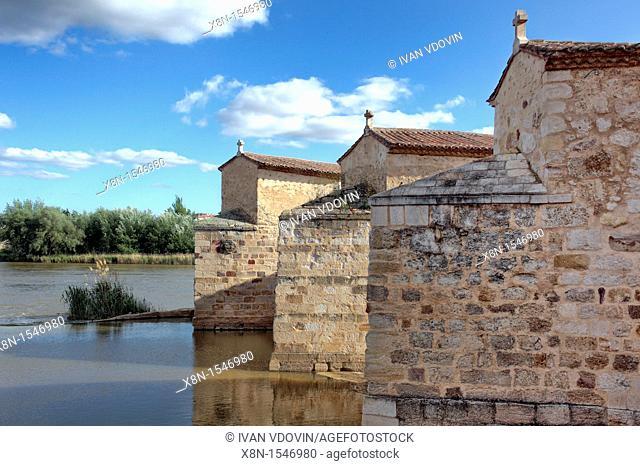 Duero river, Zamora, Spain
