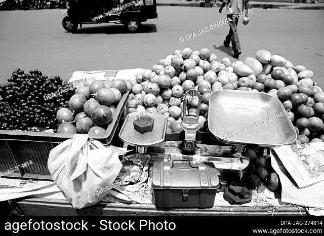 Weighing scale and cash box, Fruit vendor, Munnar, Idukki, Kerala, India, Asia