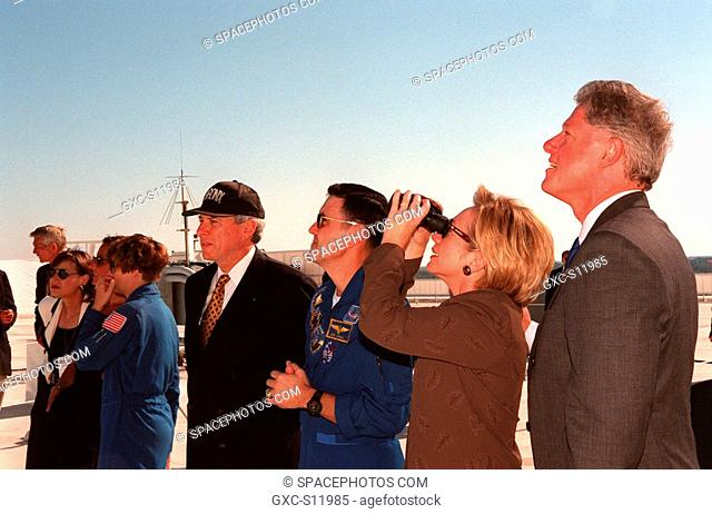 10/29/1998 --- Watching a successful launch of Space Shuttle Discovery from the roof of the Launch Control Center are left to right Astronaut Eileen Collins in...