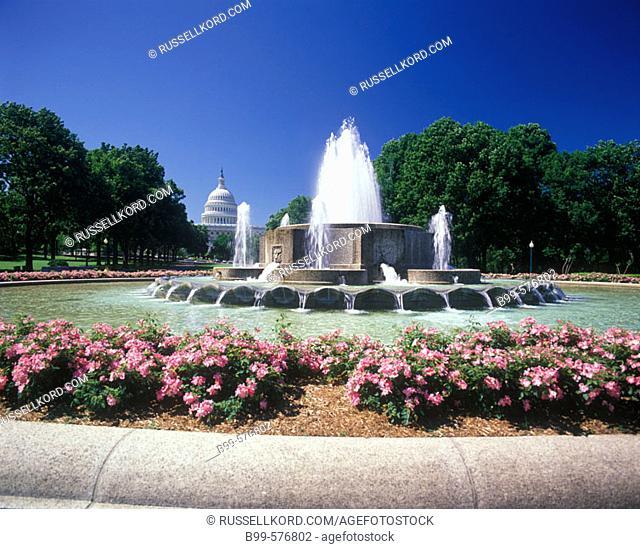 Fountain, Capitol Building, Washington D.C., Usa