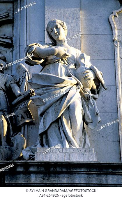 Façade baroque sculpture. Basilica da Estrela. Lisbon. Portugal