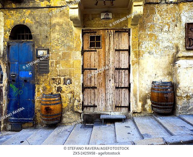Doors and barrels - Valletta, Malta