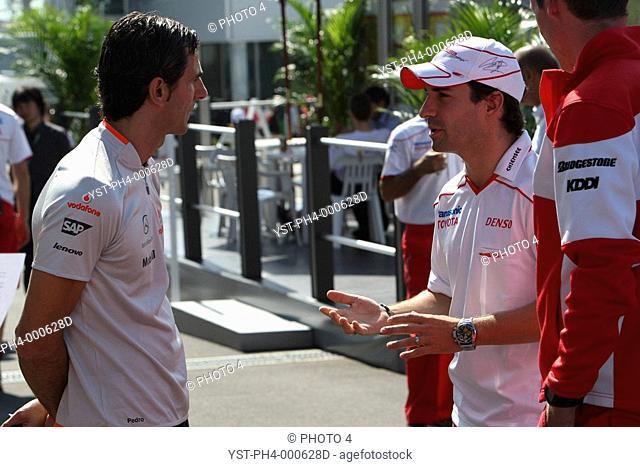 Sunday, Pedro de la Rosa, Test Driver Mclaren Mercedes and Timo Glock, Toyota F1 Team, TF109, Suzuka, Japan