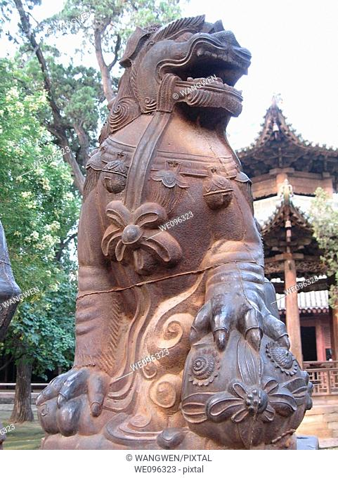 Ancient Chinese famous general of The Three Kingdoms period GuanYunChang temples in Shanxi Province in China, yuncheng sculpture