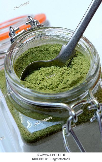 Moringapulver in Glas, Moringa oleifera
