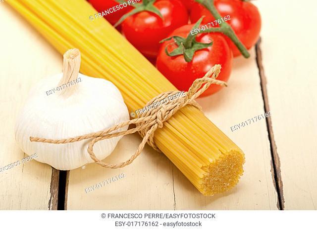 Italian basic pasta fresh ingredients cherry tomatoes garlic