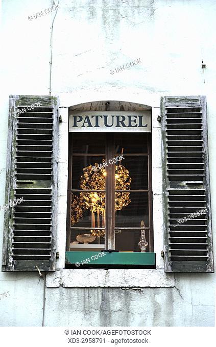 decaying shutters, old town, Annecy, Haute-Savoie department, Auvergne-Rhône-Alpes, France
