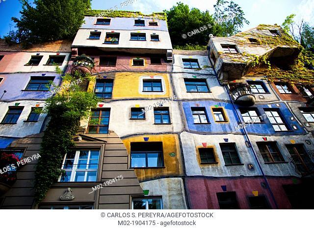 Building designed by Hundertwasser, Hundertwasserhaus, Vienna, Austria, Europe