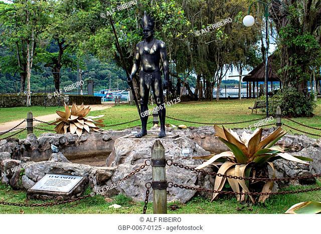 Statue Cunhambebe, Tupinambás, Park Tupiniquins, Bertioga, São Paulo, Brazil