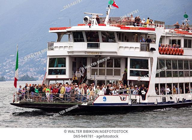 Switzerland, Ticino, Lake Maggiore, Ascona, lake ferry