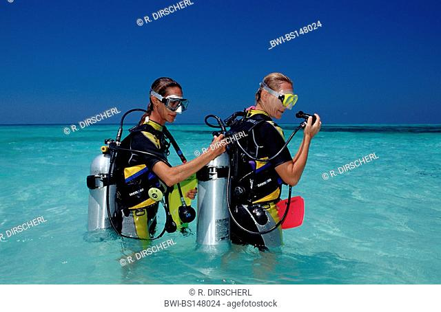 Diving Course, Instructor and Student, Maldives, Indian Ocean, Meemu Atoll