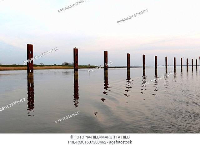 Entrance from Elbe river into Stör river, Schleswig-Holstein, Germany / Einfahrt von der Elbe in die Stör, Schleswig-Holstein, Deutschland