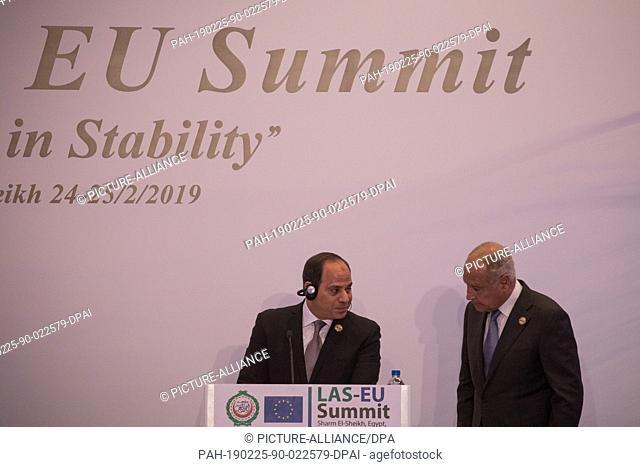 25 February 2019, Egypt, Sharm El-Sheikh: Egyptian President Abdel Fattah el-Sisi (L) talks with Secretary-General of Arab League Ahmed Aboul Gheit during a...