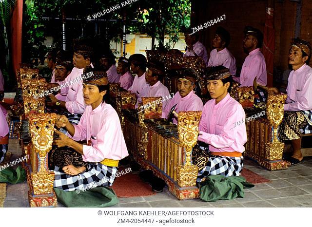 INDONESIA, BALI, GAMELAN ORCHESTRA, GENDER INSTRUMENTS