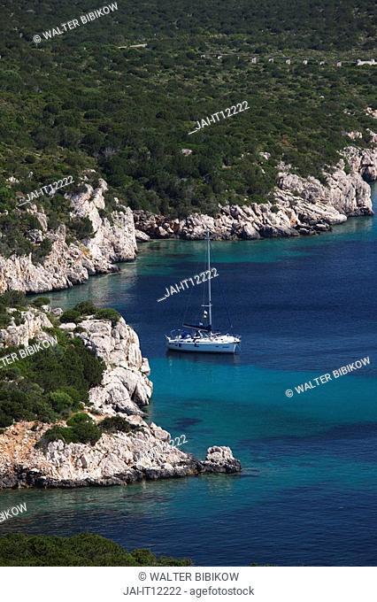 Italy, Sardinia, Western Sardinia, Alghero, Capo Caccia cape, seascape with yacht