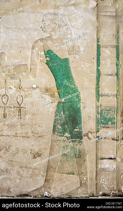 Cairo, Egyptian Museum, Sahure temple in Abusir, rocession of nilotic divinities : Out-ib bringing signs Hotep, Was and Ankh