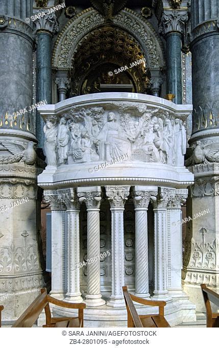 UNESCO World Heritage Site, Notre-Dame de Fourvière, Lyon, France, Europe