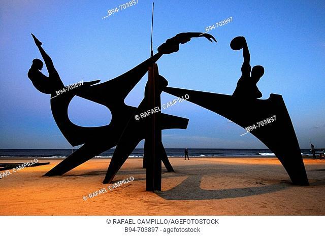 Sculpture on Barceloneta beach. Barcelona, Spain