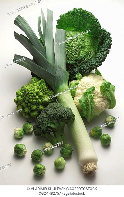 Variety of cabbages: Savoy, Brussels, broccoli, cauliflower and romanesco