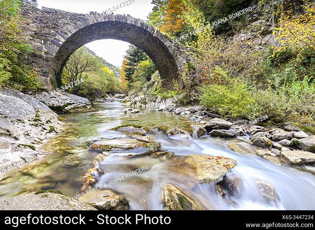 Romanesque bridge near Isaba in Belagua River, Roncal Valley, Navarra, Spain