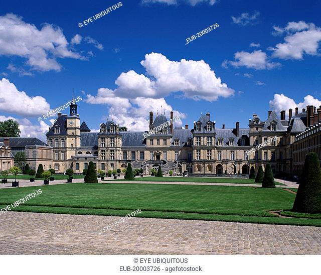 Chateau Fontainebleau, view across formal gardens