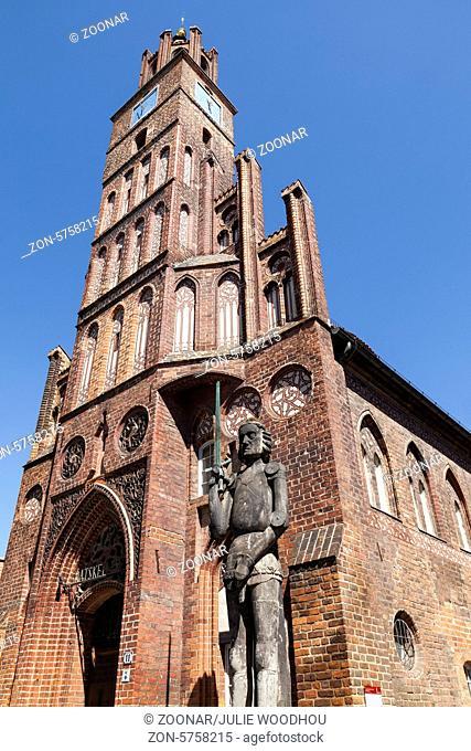 Roland Statue outside Rathaus, Brandenburg an der Havel, Germany
