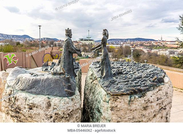 Sculpture prince Buda and princess Pest, with the Danube in the middle, Skulptor Vadász György, Gellért Hill, Budapest, Hungary, Europe