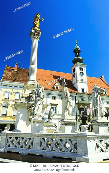 The Plague Column and Town Hall at Main Square (Travni Trg). Maribor. Lower Styria region. Slovenia, Europe