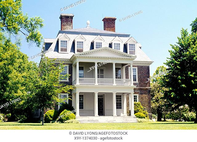 The Shirley Plantation House  Home of mother of president Robert E Lee on the James River southeast of Richmond, Virginia, USA
