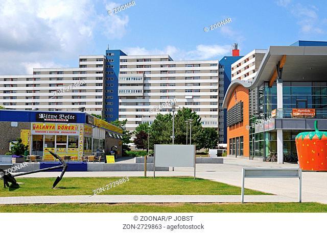 Das Ferienzentrum in Heiligenhafen ist immer noch ein beliebtes Urlaubsdomizil an der Ostsee / The Ferienzentrum at Heiligenhafen is still a popular travel...