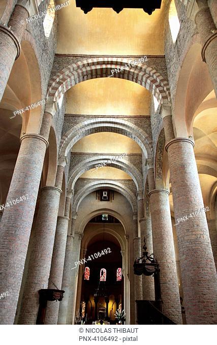 France, Bourgogne Franche Comte, Saone et Loire department (71), Tournus, Saint Philibert church