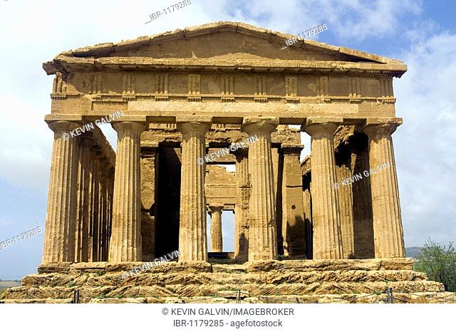 Ancient Greek temple of Concord, Valley of the Temples Agrigento archaeological site, Sicily, Italy