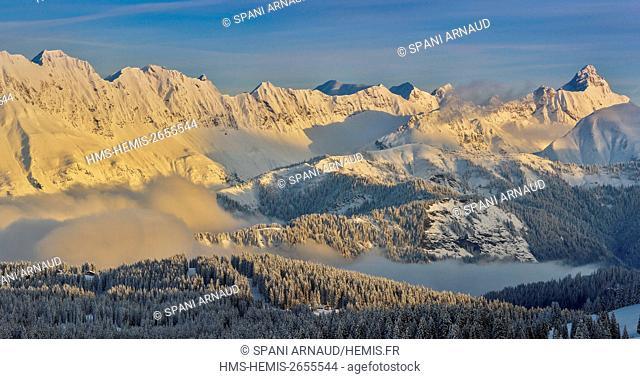 France, Savoie, Aravis Mountain, snowy landscape at sunrise