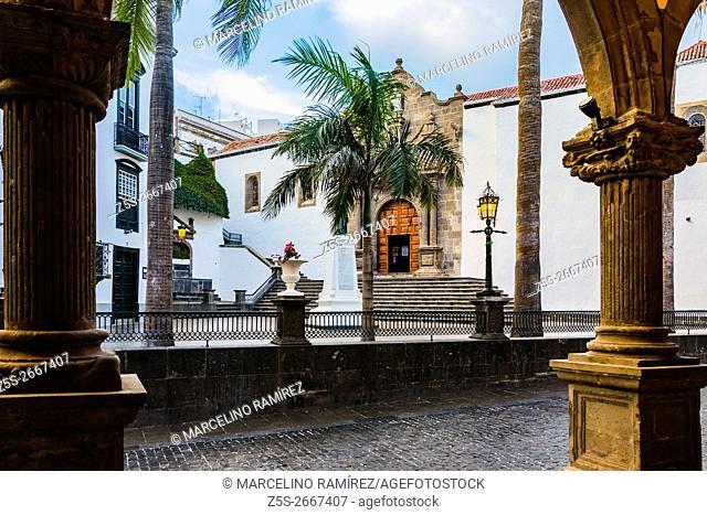 Square of Spain, in the background the Church of the Divine Savior. Santa Cruz de La Palma. La Palma. Tenerife. Canary Islands. Spain