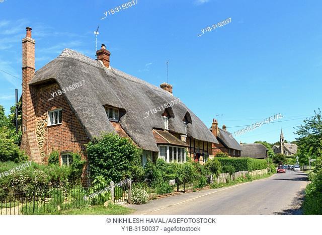 Thatched Cottages, Clifton Hampden, Oxfordshire, UK