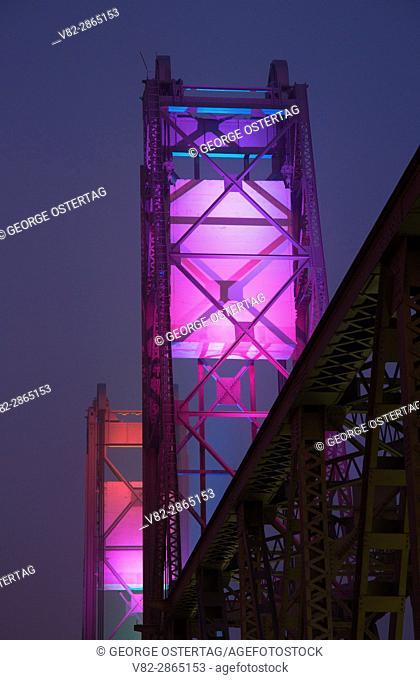 Night lights, Union Street Railroad Pedestrian & Bicycle Bridge, Salem, Oregon