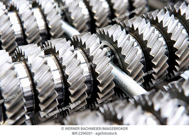 Cogwheels, gear production, pre-production of gears and shafts, gearbox DQ 250, Volkswagen AG, VW plant in Kassel, Hesse, Germany, Europe