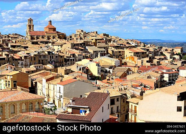 View of the town and its church of Asuncion, Calaceite, Matarraña region, Teruel, Aragon, Spain