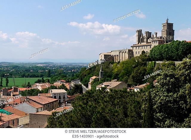 Beziers, Cathedral St. Nazaire was rebuilt after being burnt to the ground with several thousand people insidem by the troops of the Pope and Louis the 8th