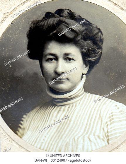 Porträt einer jungen Frau um die Jahrhundertwende., Sammlung Wittmann
