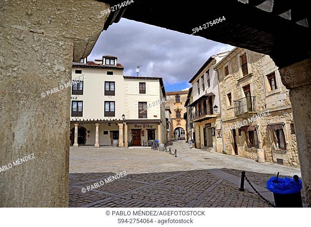 Main square of Covarrubias, Burgos, España