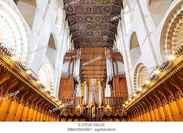 England, Hertfordshire, St.Albans, St.Albans Cathedral and Abbey Church, The Nave