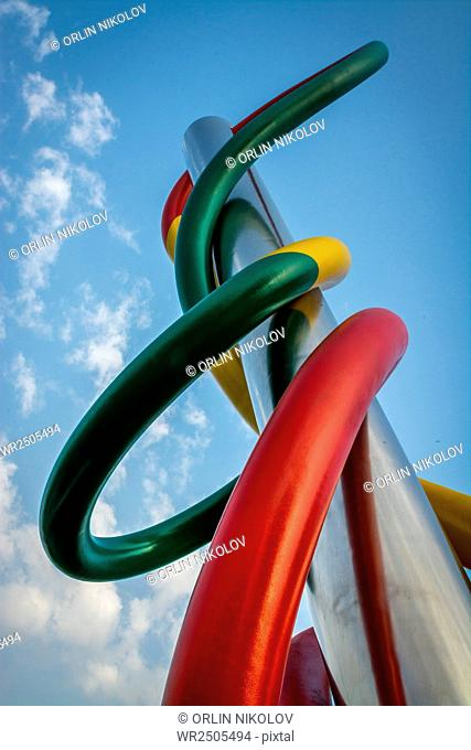 Sculpture Ago filo nodo/ Needle, wire, knot, Milan, Italy