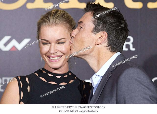 Rebecca Romijn, Jerry O'Connell attend 'Carter' AXN TV series photocall at URSO Hotel on November 7, 2019 in Madrid, Spain