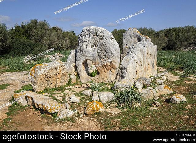 Ses Roques Llises Dolmen, Alaior, Menorca, Balearic Islands, Spain