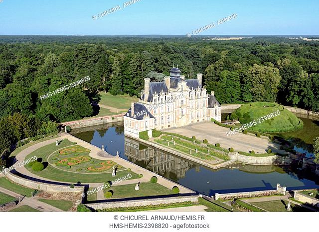 France, Eure, Beaumesnil, the castle (aerial view)